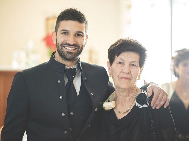 Il matrimonio di Lorenzo e Giulia a Corridonia, Macerata 12