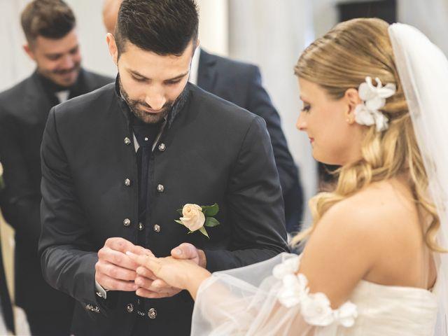 Il matrimonio di Lorenzo e Giulia a Corridonia, Macerata 57