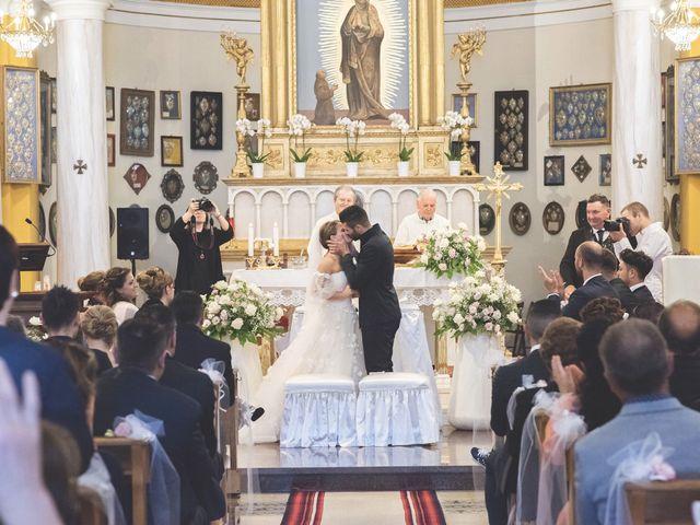 Il matrimonio di Lorenzo e Giulia a Corridonia, Macerata 60