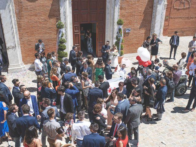 Il matrimonio di Lorenzo e Giulia a Corridonia, Macerata 71