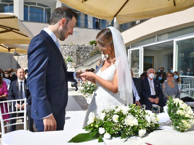Il matrimonio di Raffaele e Mariapia a Vietri sul Mare, Salerno 17