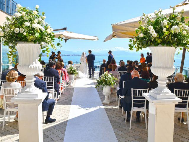 Il matrimonio di Raffaele e Mariapia a Vietri sul Mare, Salerno 18
