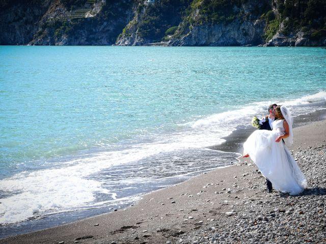 Il matrimonio di Raffaele e Mariapia a Vietri sul Mare, Salerno 27
