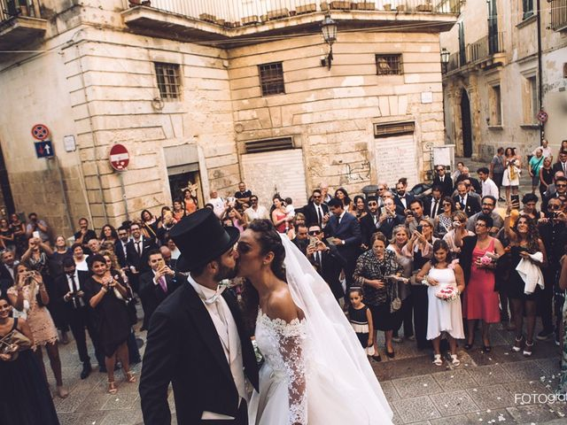 Il matrimonio di Simone e Maria Grazia a Lecce, Lecce 10