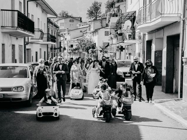 Il matrimonio di Mirko e Francesca a Mosciano Sant'Angelo, Teramo 13