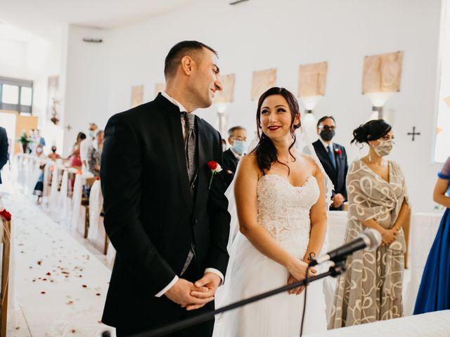 Il matrimonio di Mirko e Francesca a Mosciano Sant'Angelo, Teramo 24