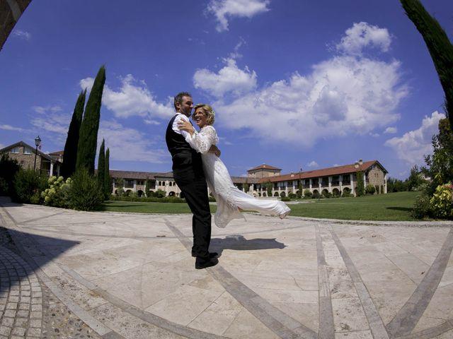 Il matrimonio di Luca e Jennifer a Pozzolengo, Brescia 30