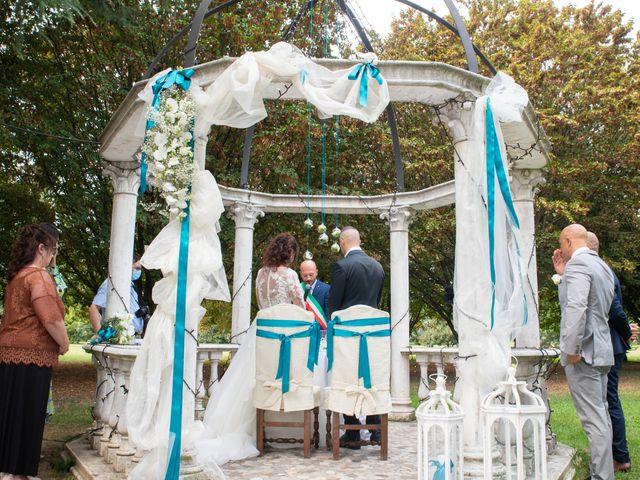 Il matrimonio di Ivan e Roberta  a Misano di Gera d'Adda, Bergamo 29