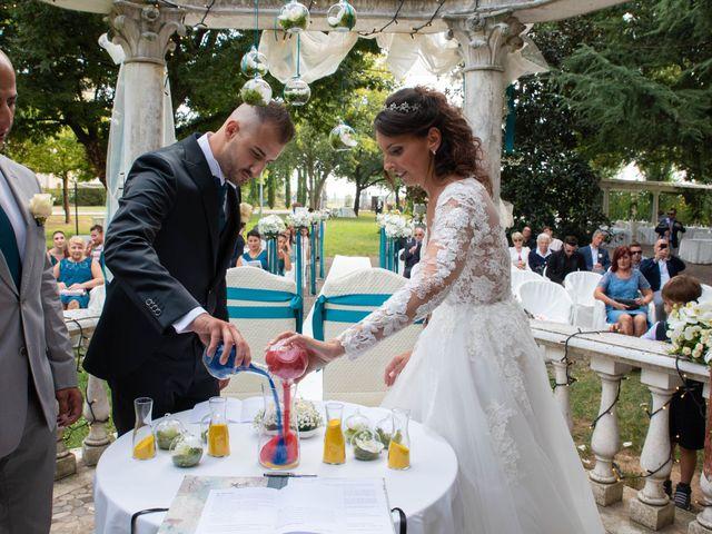 Il matrimonio di Ivan e Roberta  a Misano di Gera d'Adda, Bergamo 30