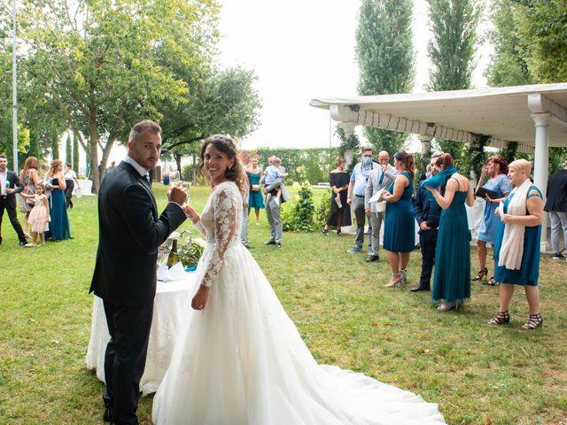 Il matrimonio di Ivan e Roberta  a Misano di Gera d'Adda, Bergamo 33