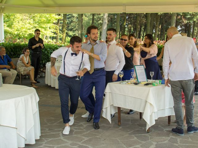 Il matrimonio di Marco e Elisa a Cerro Maggiore, Milano 21