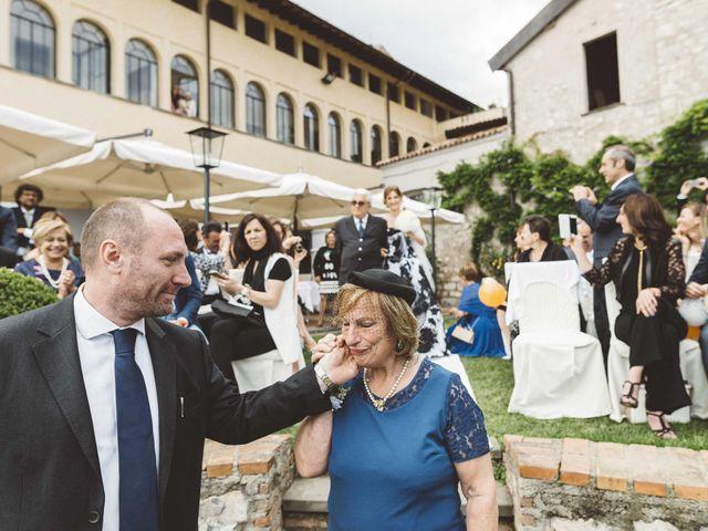 Il matrimonio di Antonello e Mariafrancesca a Monte Isola, Brescia 30