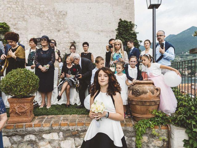 Il matrimonio di Antonello e Mariafrancesca a Monte Isola, Brescia 32
