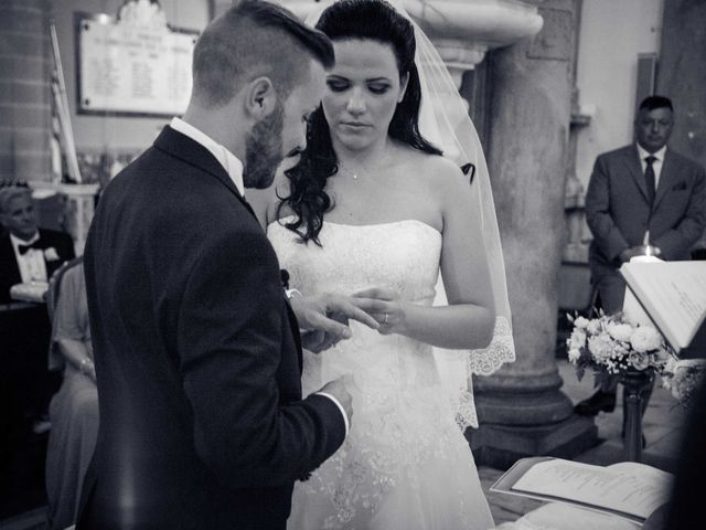 Il matrimonio di Bruno e Ramona a Fivizzano, Massa Carrara 27