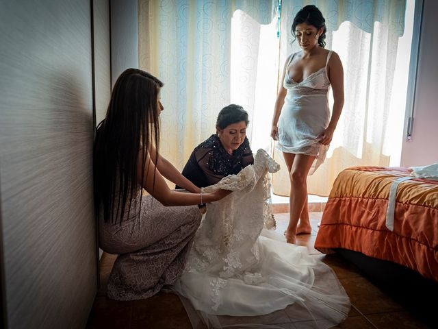 Il matrimonio di Simone e Yadira a Monvalle, Varese 16