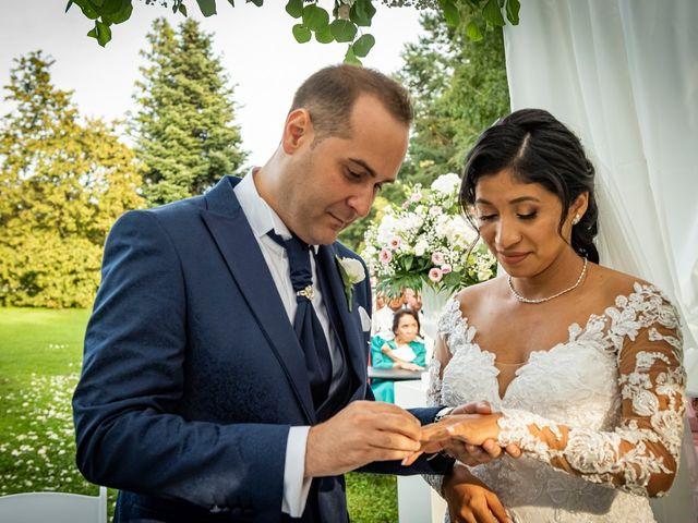 Il matrimonio di Simone e Yadira a Monvalle, Varese 30