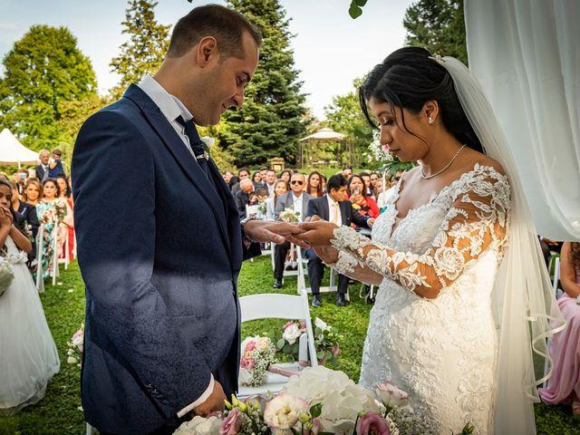 Il matrimonio di Simone e Yadira a Monvalle, Varese 31