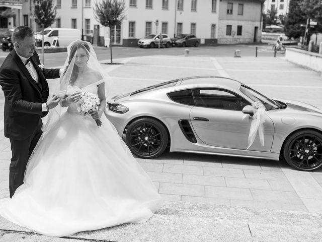 Il matrimonio di Mattia e Jessica a Carnago, Varese 15