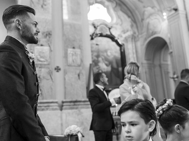 Il matrimonio di Mattia e Jessica a Carnago, Varese 17