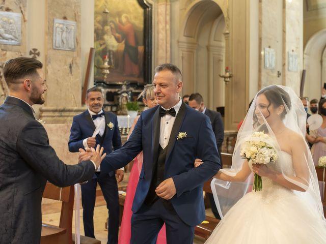 Il matrimonio di Mattia e Jessica a Carnago, Varese 19