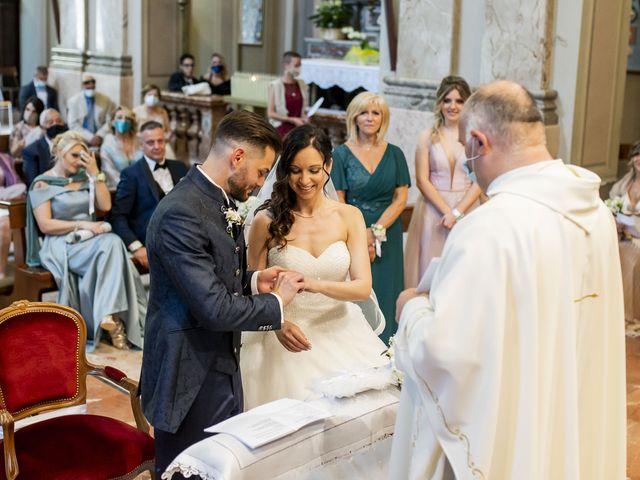 Il matrimonio di Mattia e Jessica a Carnago, Varese 25