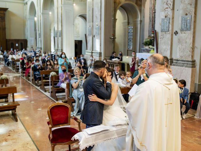Il matrimonio di Mattia e Jessica a Carnago, Varese 27