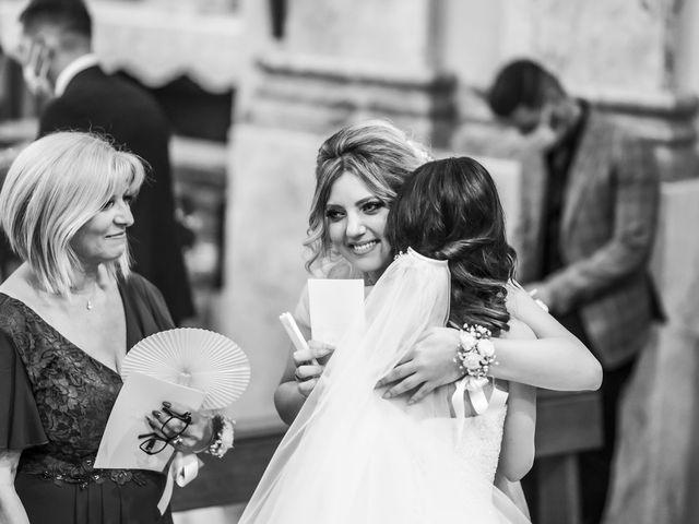 Il matrimonio di Mattia e Jessica a Carnago, Varese 32