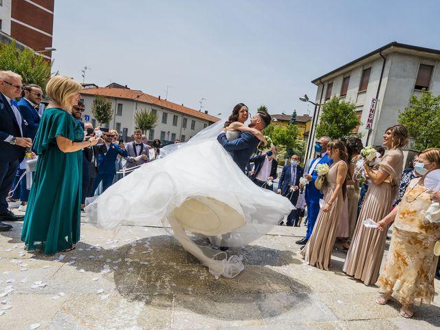 Il matrimonio di Mattia e Jessica a Carnago, Varese 37
