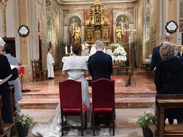 Il matrimonio di Tommaso e Chiara a Laveno-Mombello, Varese 13
