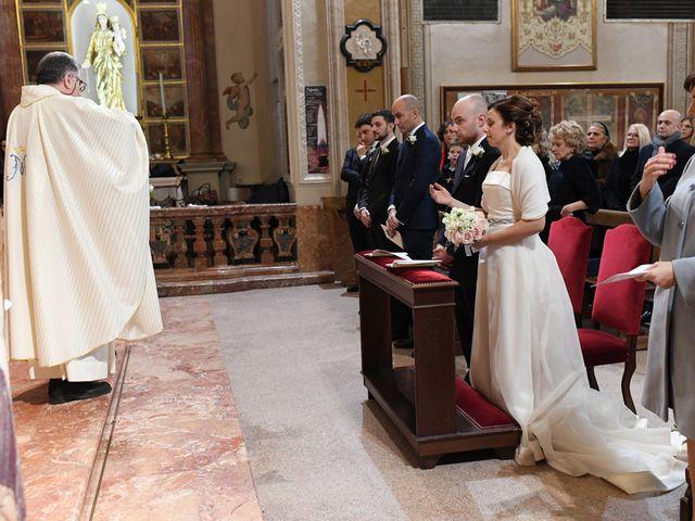 Il matrimonio di Tommaso e Chiara a Laveno-Mombello, Varese 14