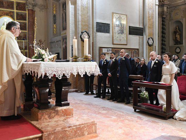 Il matrimonio di Tommaso e Chiara a Laveno-Mombello, Varese 15