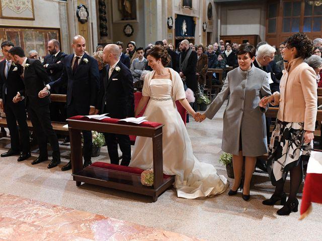 Il matrimonio di Tommaso e Chiara a Laveno-Mombello, Varese 16