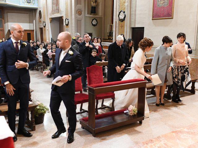 Il matrimonio di Tommaso e Chiara a Laveno-Mombello, Varese 17
