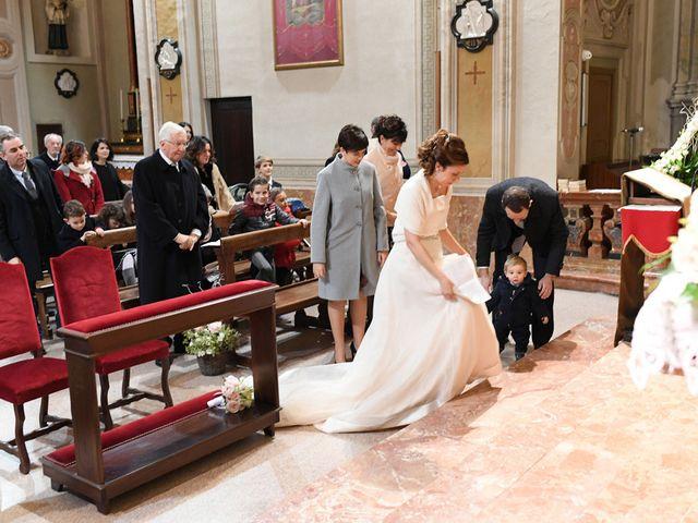 Il matrimonio di Tommaso e Chiara a Laveno-Mombello, Varese 18