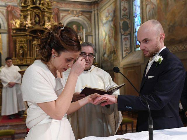 Il matrimonio di Tommaso e Chiara a Laveno-Mombello, Varese 19