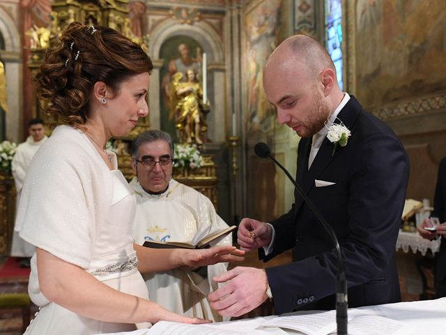 Il matrimonio di Tommaso e Chiara a Laveno-Mombello, Varese 20
