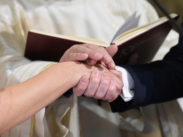 Il matrimonio di Tommaso e Chiara a Laveno-Mombello, Varese 24