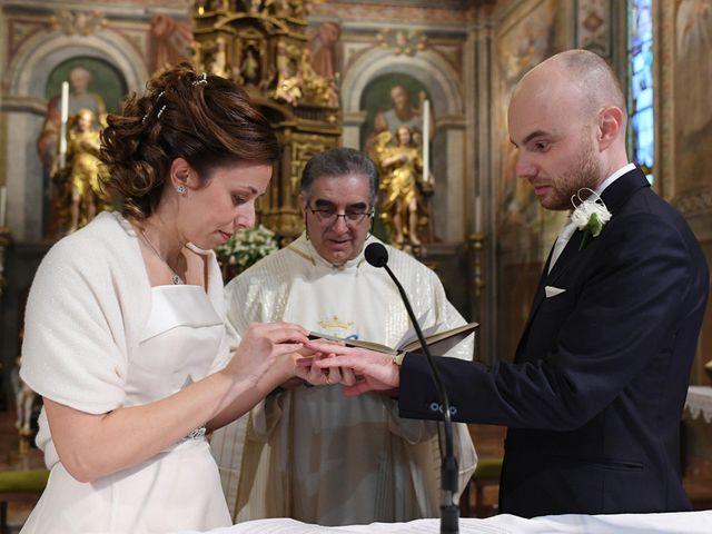 Il matrimonio di Tommaso e Chiara a Laveno-Mombello, Varese 25