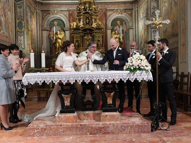 Il matrimonio di Tommaso e Chiara a Laveno-Mombello, Varese 27