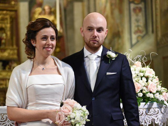 Il matrimonio di Tommaso e Chiara a Laveno-Mombello, Varese 30