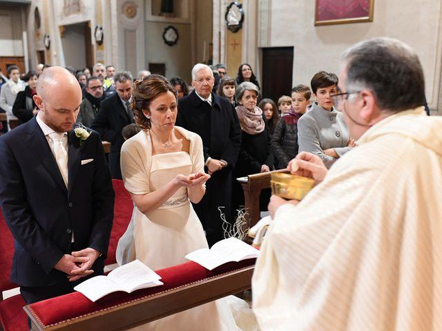 Il matrimonio di Tommaso e Chiara a Laveno-Mombello, Varese 34