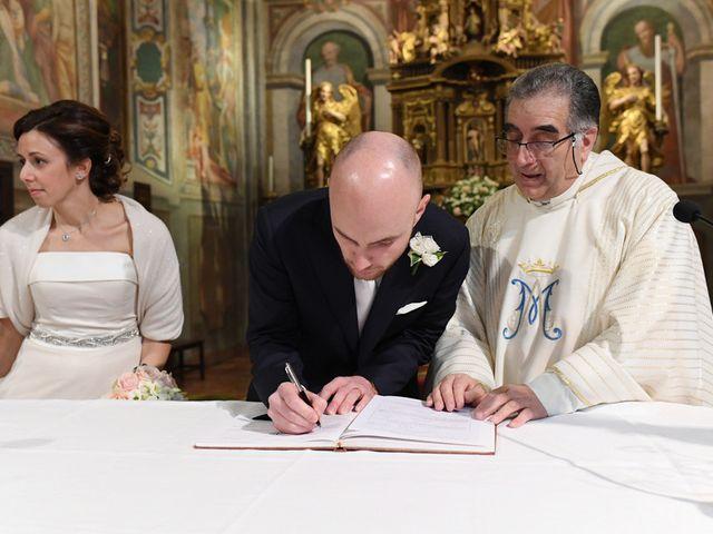 Il matrimonio di Tommaso e Chiara a Laveno-Mombello, Varese 40