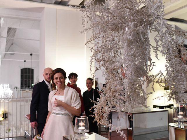 Il matrimonio di Tommaso e Chiara a Laveno-Mombello, Varese 55