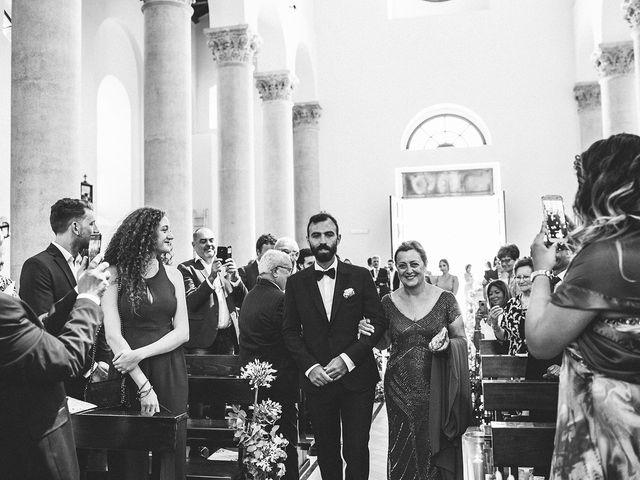 Il matrimonio di Gianluca e Marilisa a Palazzo San Gervasio, Potenza 41