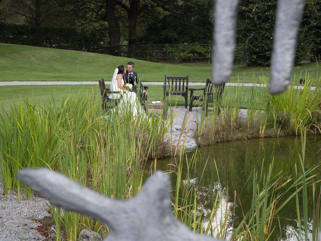 Il matrimonio di Claude e Debora a Pellio Intelvi, Como 10