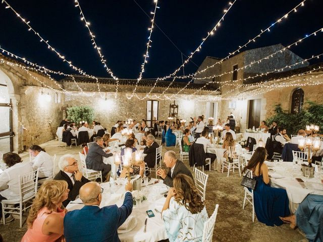 Il matrimonio di Vincenzo e Giulia a Alcamo, Trapani 24