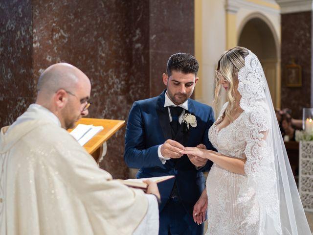 Il matrimonio di Giuseppe e Tonia a Isola di Capo Rizzuto, Crotone 14