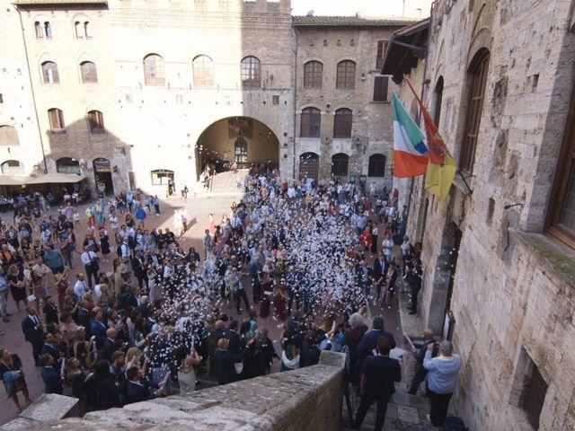 Il matrimonio di Carlo e Barbara a San Gimignano, Siena 21