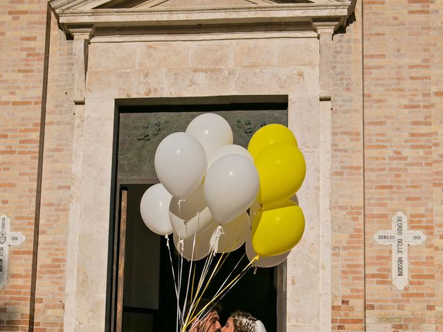 Il matrimonio di Massimiliano e Giulia a Grottammare, Ascoli Piceno 29