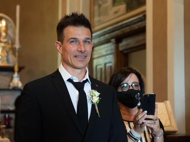 Il matrimonio di Simone e Chiara a Pombia, Novara 15